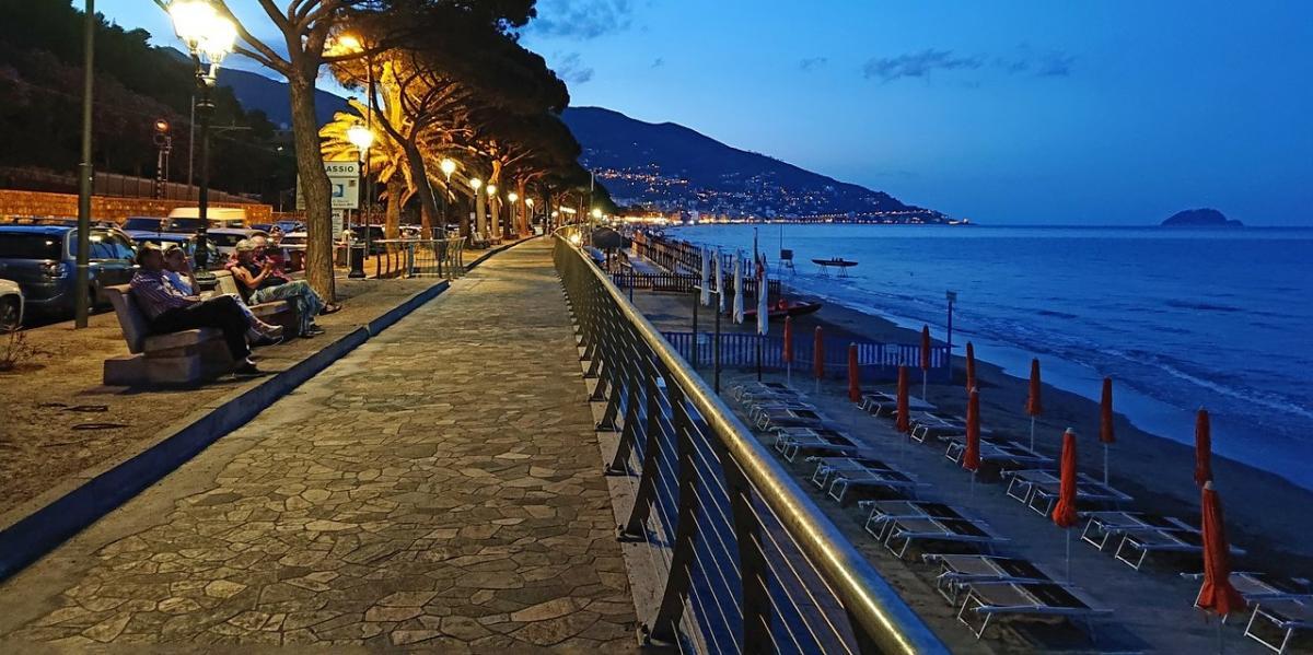 - Mare in Liguria